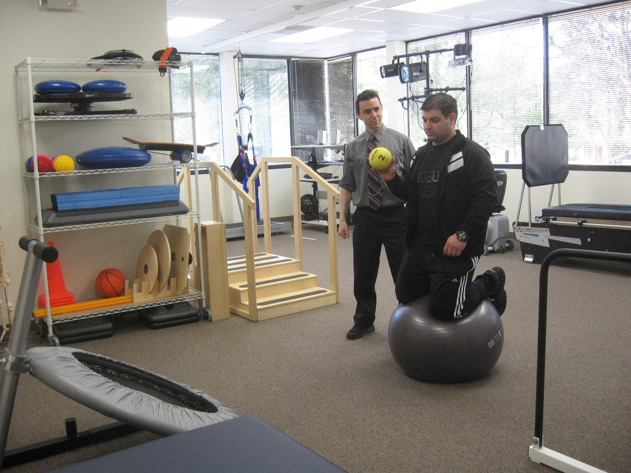 Balance and physical therapy - Vestibular Rehabilitation Therapy Balance Therapy